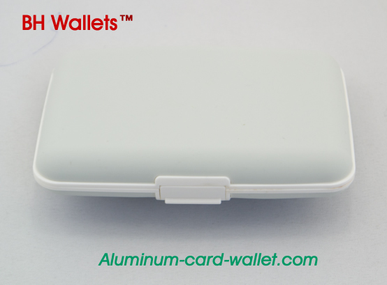 White Hot Sell Silicone Credit Card Wallets Stocklot